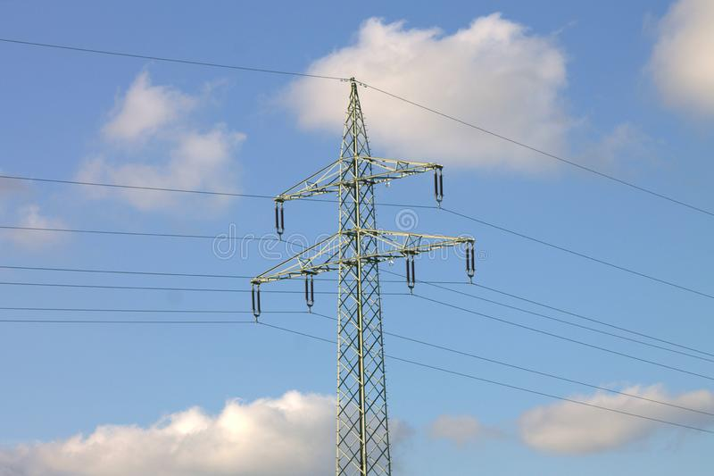 För spänningskraftledning för elektricitet högt kontaktdon royaltyfria foton