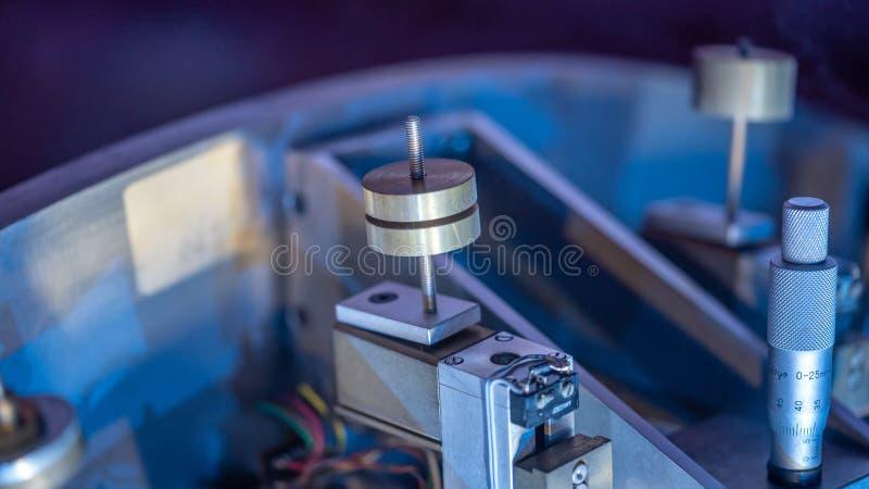 För spindelmotor för axel själv maskin royaltyfri foto