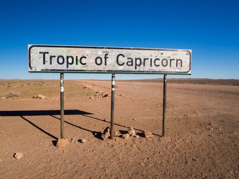 För `-Stenbockens vändkrets för tecken läs- ` i Namibia arkivfoton