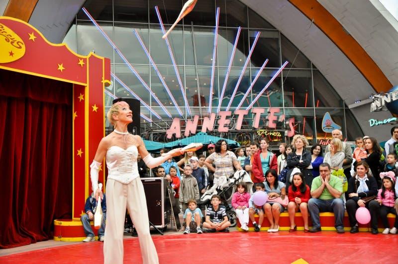 by för stift för cirkusdisney jonglör liten royaltyfria bilder