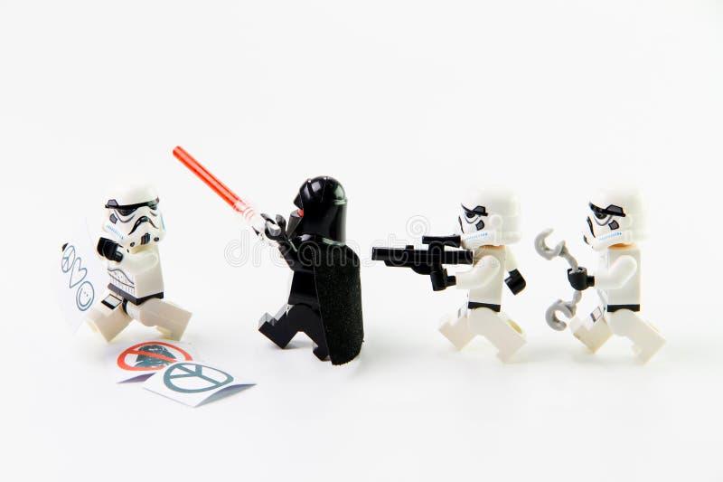 För Stomtrooper för legoStar Wars film diagramen kortkort arkivfoton