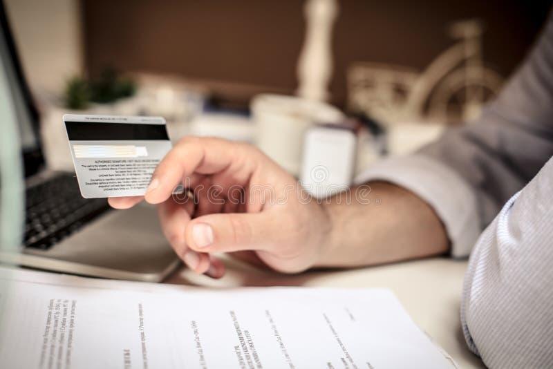 För stora affärer behöver du stor finans arkivfoton