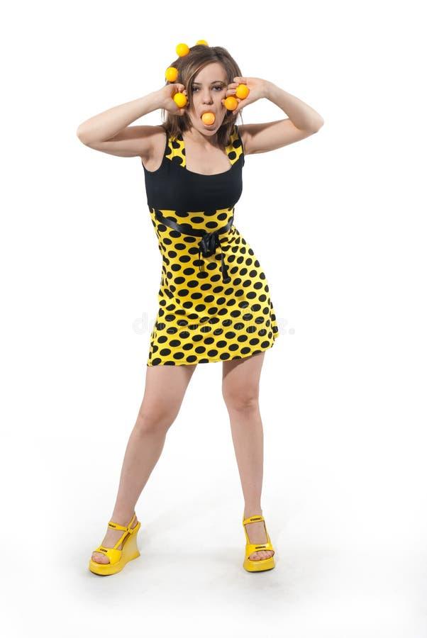 för studiokvinna för bollar roligt barn för yellow royaltyfria foton