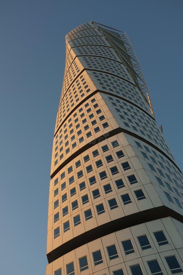 för sweden för calatravasmalmoe solnedgång vända torso royaltyfria foton