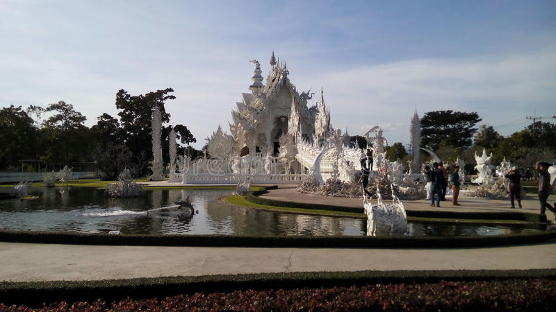 för thailand för tempel för uppgift för rong för rai för khun för härlig chiang för konstdragningar kulturell fin white wat royaltyfria bilder