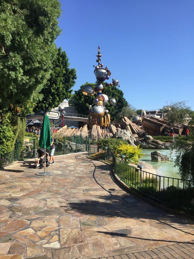 För Tomorrowland för Disneyland utrymmeberg struktur modell royaltyfria bilder