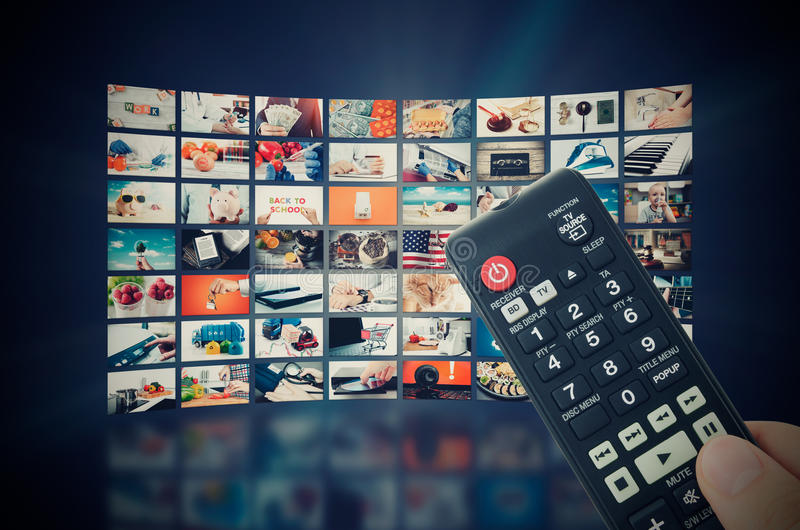 För väggtelevision för multimedia video TV-sändning royaltyfri fotografi
