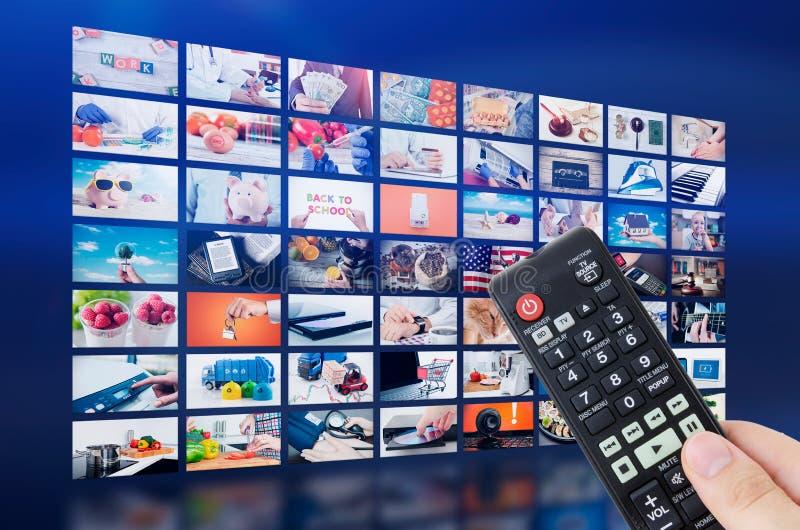 För väggtelevision för multimedia video TV-sändning royaltyfria bilder