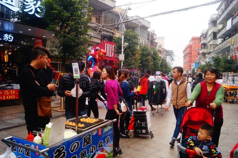 För vårfestivalen Xixiang fot- gatalandskap royaltyfri foto
