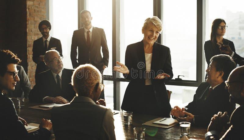 För Varation för teamworksamhörighetskänslaenhet begrepp service royaltyfria bilder
