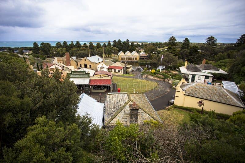 För Warrnambool för maritim by för flaggstångkulle väg Melbourne Australien stor hav royaltyfria foton