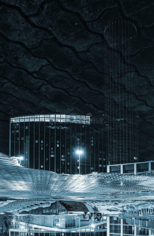 För Yekaterinburg för svartvit reflexion deserterade uppochnervända ljus för vinter för natt centrum fotografering för bildbyråer