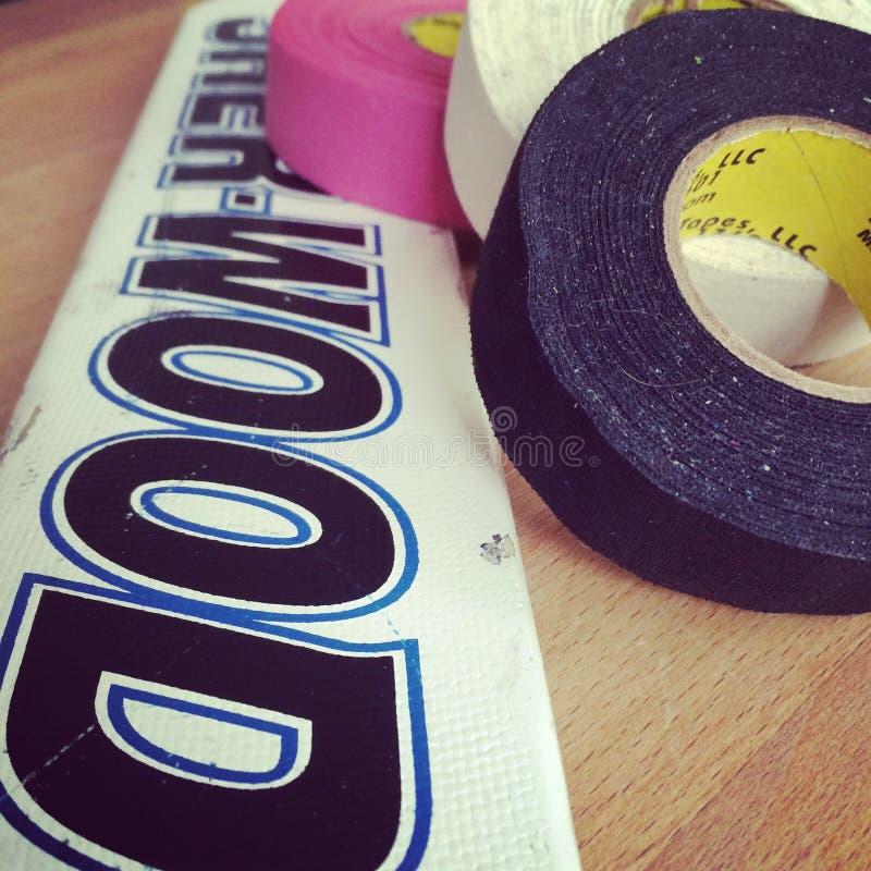 Förbered pinnen för den bandIcehockey goalien arkivbilder