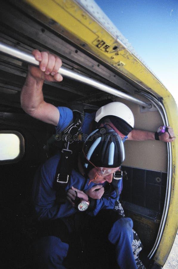 förbereda sig som är skydive till royaltyfri fotografi