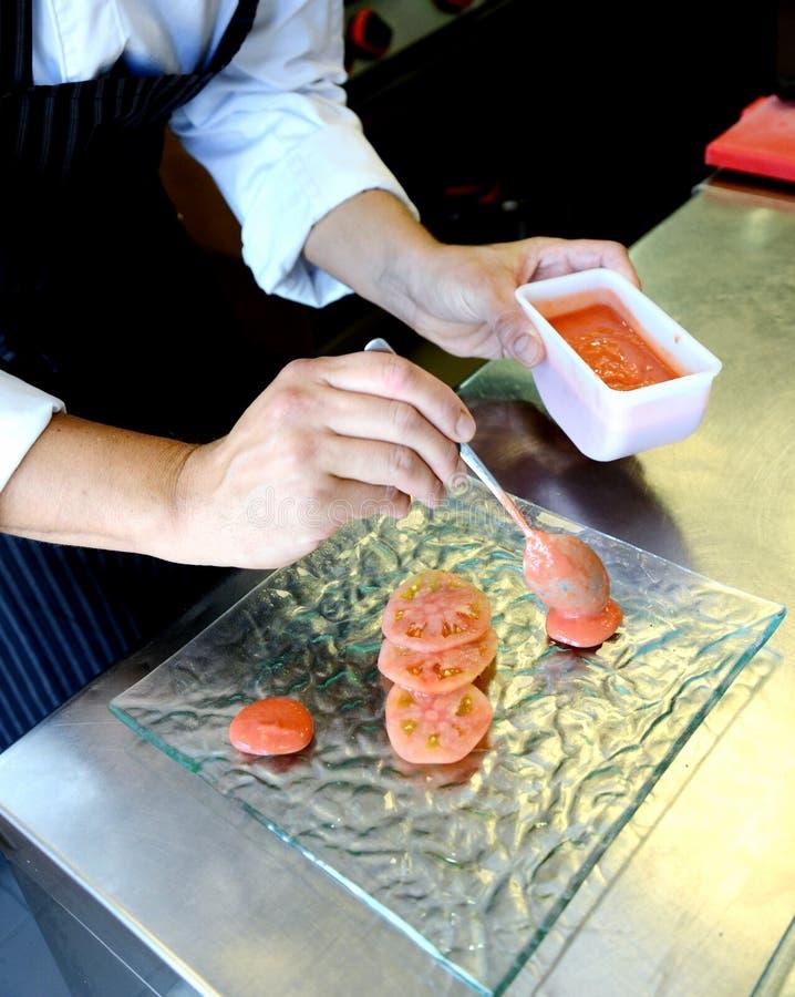 Förbereda tempurafisken i italiensk stil arkivbilder