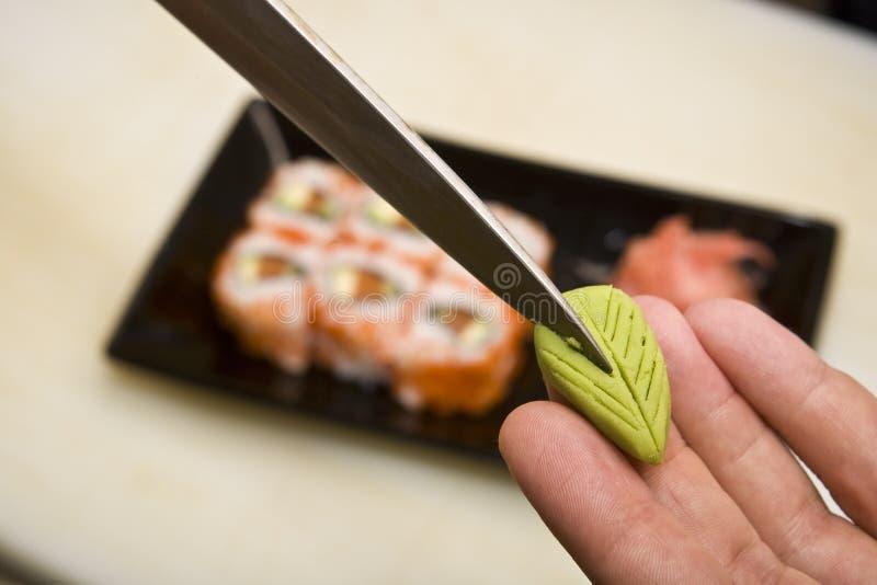 förbereder japanskt kök för kocken susi arkivfoto