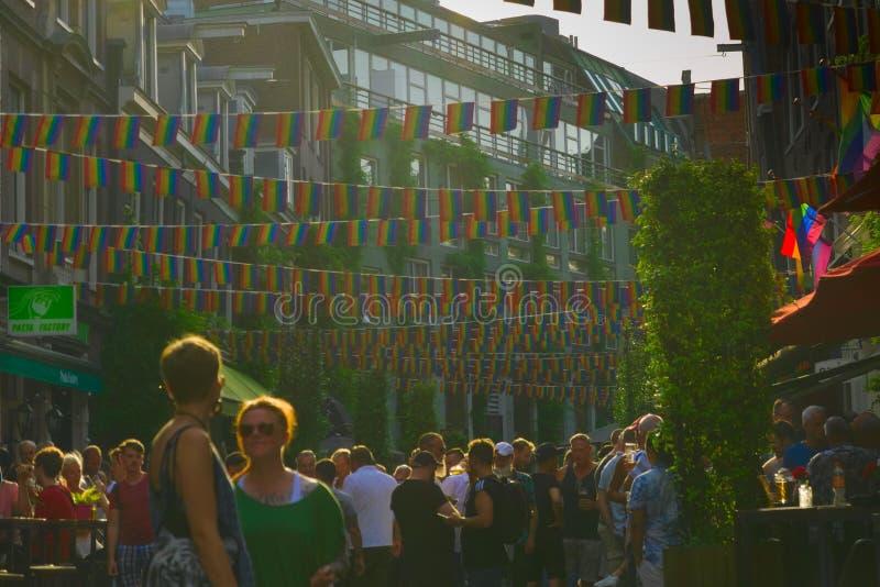 26-07-2019 förbereder sig amsterdam Nederländerna amsterdam för stolthet ståtar 2019 arkivfoto