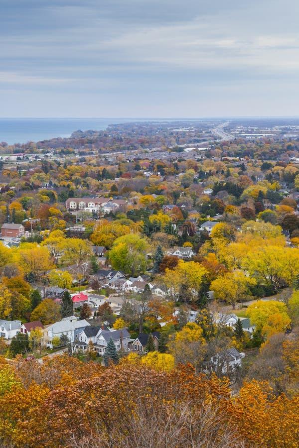 Förbise Autumn Landscape från den Niagara brant sluttning, Ontario arkivfoto