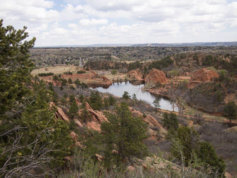 Förbise av rött vaggar kanjonöppet utrymme i Colorado Springs royaltyfri bild