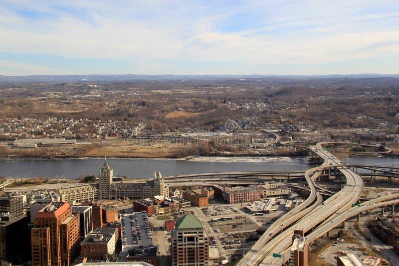 Förbise staden från det 39th golvet av att konservera tornet, Albany, New York, 2016 royaltyfria bilder