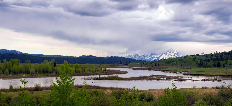 Förbluffa berg i den storslagna Teton nationalparken royaltyfria bilder