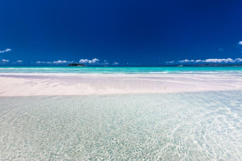 Förbluffa den Whitehaven stranden i pingstdagöarna, Queensland, royaltyfria bilder