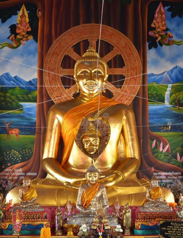 Förbluffa en framsida av den forntida Buddha i Buddha arkivbilder