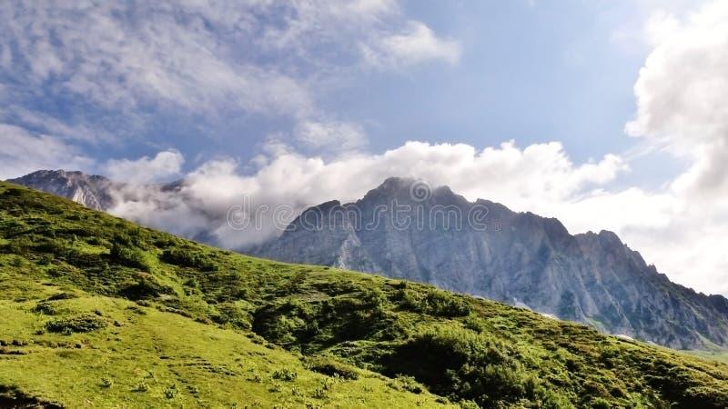 Förbluffa Kaukasus arkivfoton