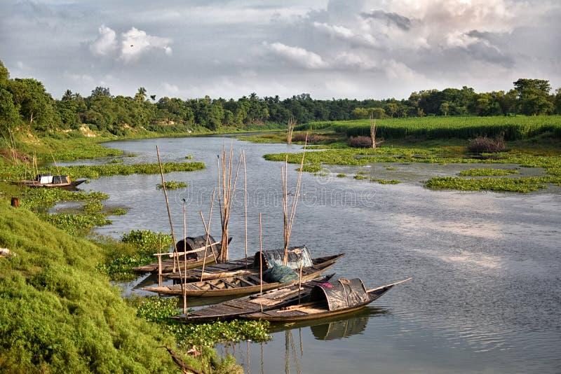 Förbluffa landskap av den Jalangi floden, är en filial av Gangeset River i Murshidabad och Nadia områden i det indiska tillstånde arkivbild