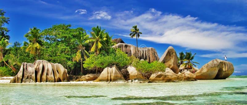 Förbluffa Seychellerna, Ladigue royaltyfria bilder