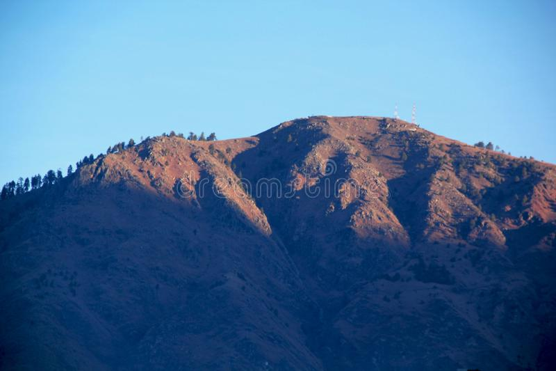 Förbluffa soluppgång på Manali berg royaltyfri fotografi