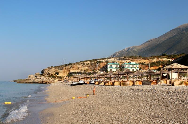 Förbluffa stränder av Dhermi, Albanien fotografering för bildbyråer