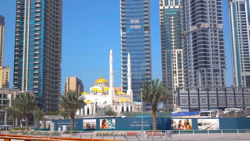 Förbluffa taksikt på Dubai marinaskyskrapor, Dubai, Förenade Arabemiraten 2018 arkivbild