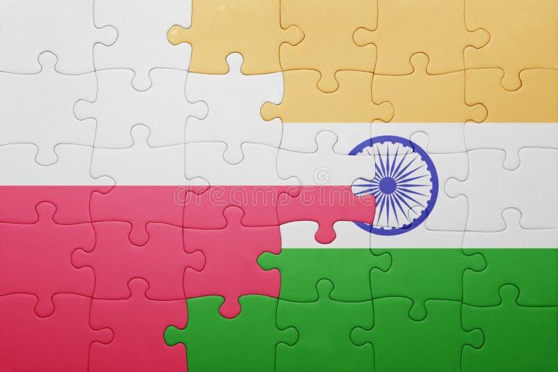 Förbrylla med nationsflaggan av Polen och Indien royaltyfri fotografi
