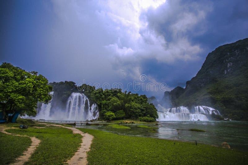 FörbudGioc vattenfall royaltyfri bild