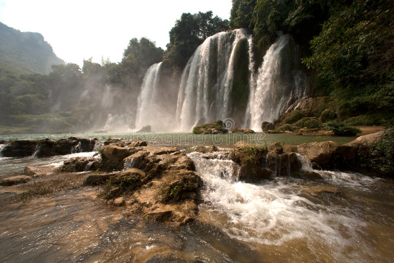 förbudgiocvietnam vattenfall royaltyfria foton