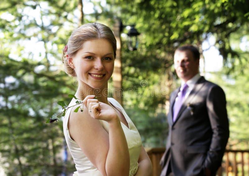 förbunden att gifta sig nytt arkivbild