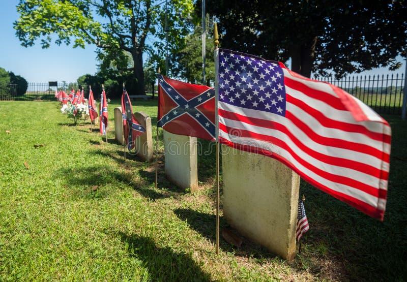 Förbundsmedlemkyrkogård på den Appomattox nationalparken royaltyfri foto