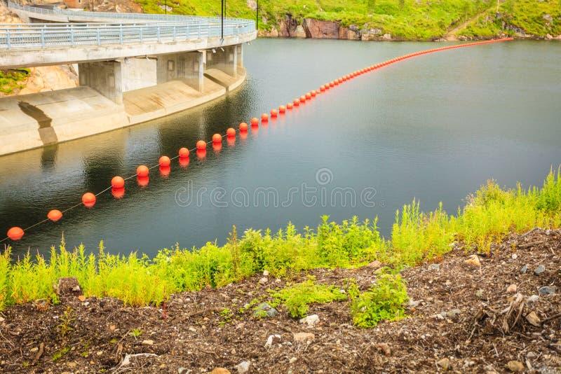 Fördämning Sarvfossen i Norge royaltyfri foto