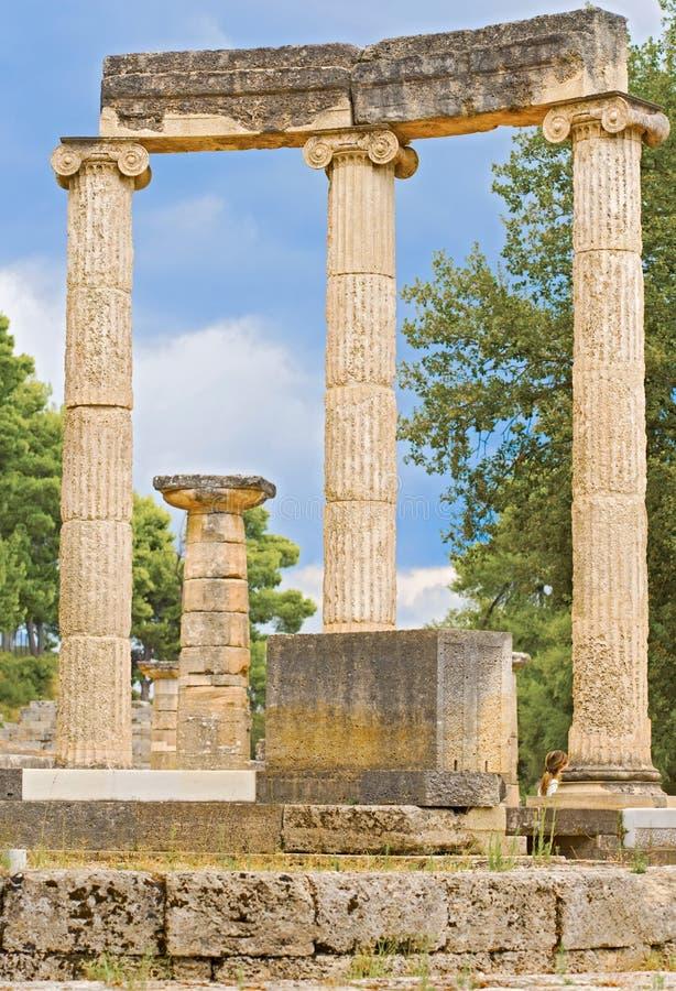 Fördärva av Philipps tempel i Olympia, Grekland arkivbilder