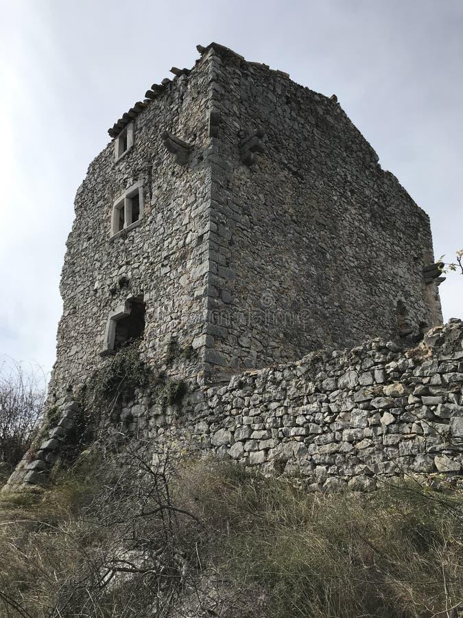 Fördärva slotten Castellet arkivfoto