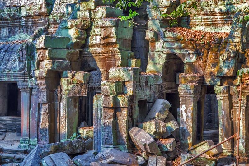 Fördärvar Angkor Wat, en khmertempelkomplexet, Asien Siem Reap Cambodi royaltyfri fotografi