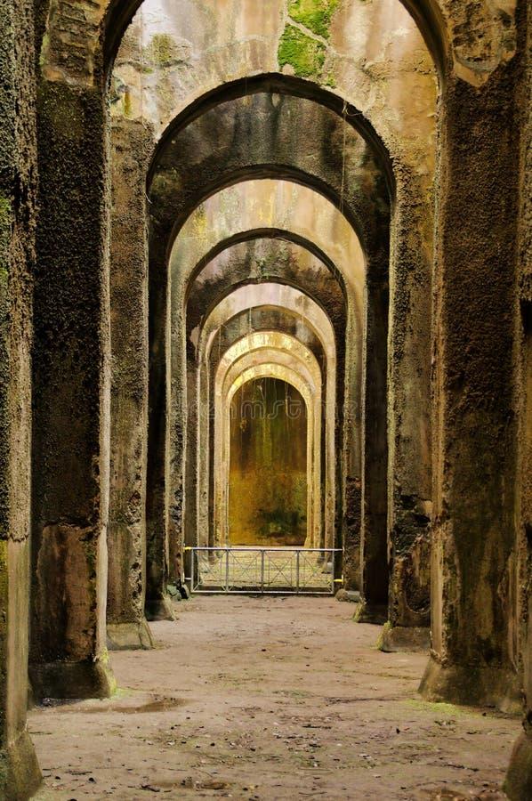 Fördärvar arkeologin, mirabilisen, bacolien, Italien arkivbilder