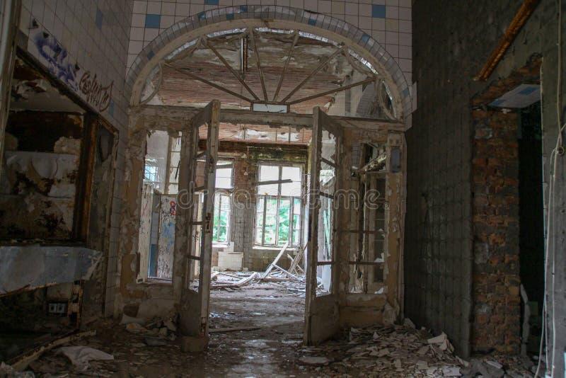 Fördärvar av Beelitz-Heilstätten förlorade stället Berlin Brandenburg royaltyfria foton