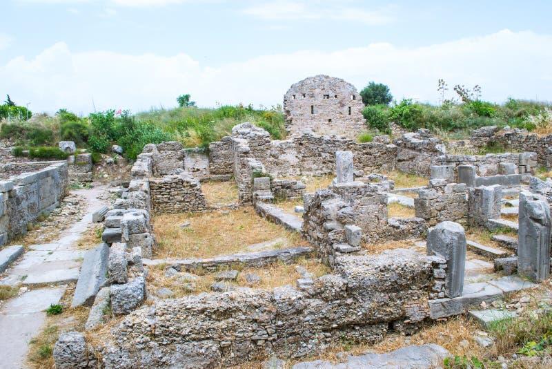 Fördärvar av byggnader av den forntida staden kalkon Sidostad royaltyfri fotografi