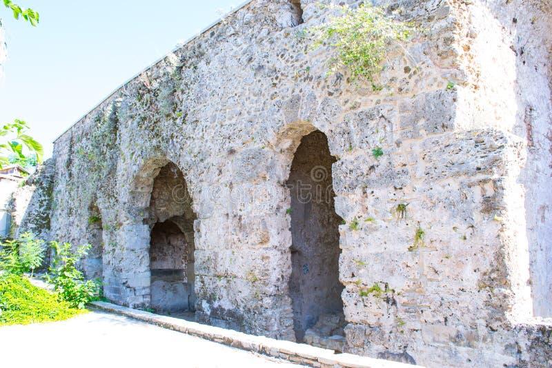 Fördärvar av byggnader av den forntida staden kalkon Sidostad fotografering för bildbyråer