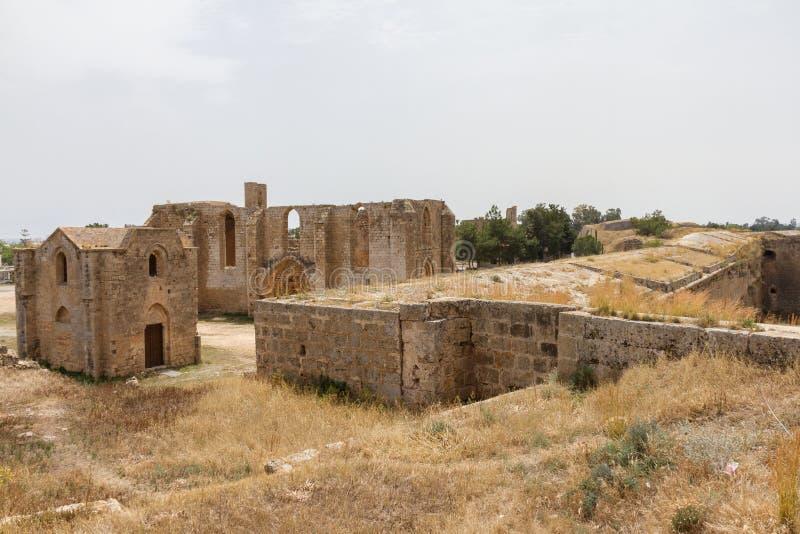 Fördärvar av Carmelite och armenierkyrkor i medeltida Famagusta, Cypern arkivfoton