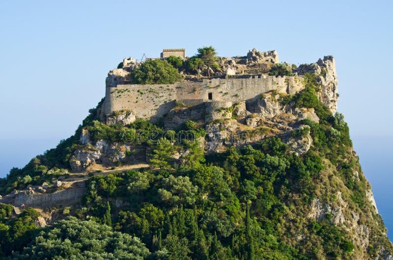 Fördärvar av den Angelokastro fästningen - den Korfu ön, Grekland royaltyfri bild