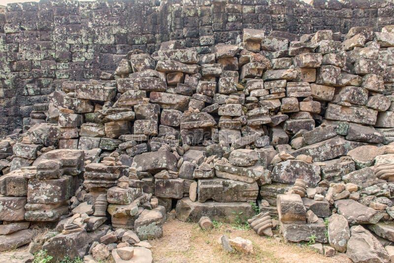 Fördärvar av den Angkor Wat eller en khmertemplet i Siem Reap Cambodja royaltyfri foto