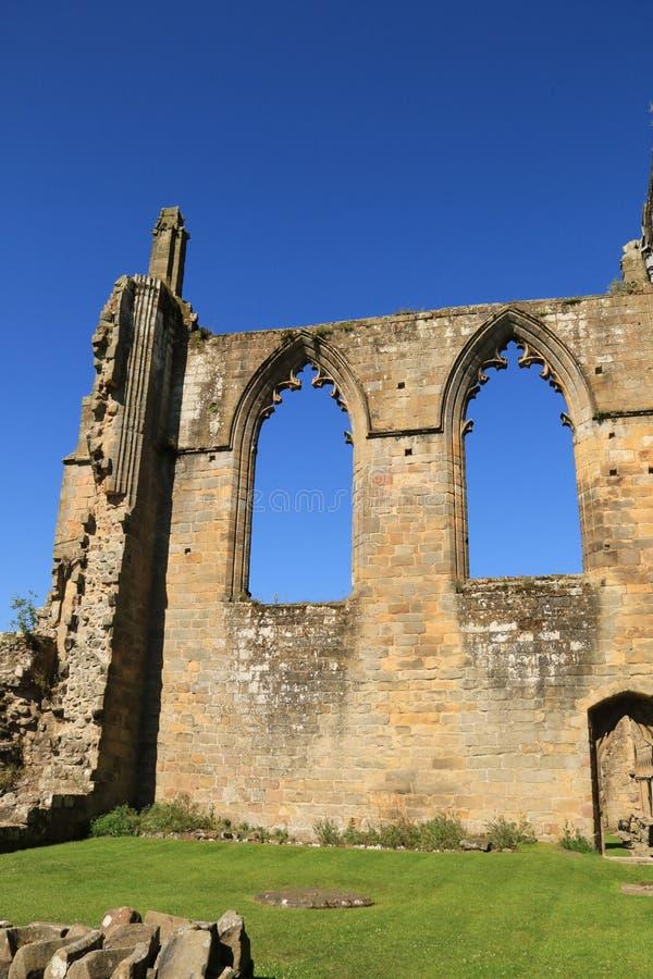 Fördärvar av den Bolton abbotskloster royaltyfri fotografi